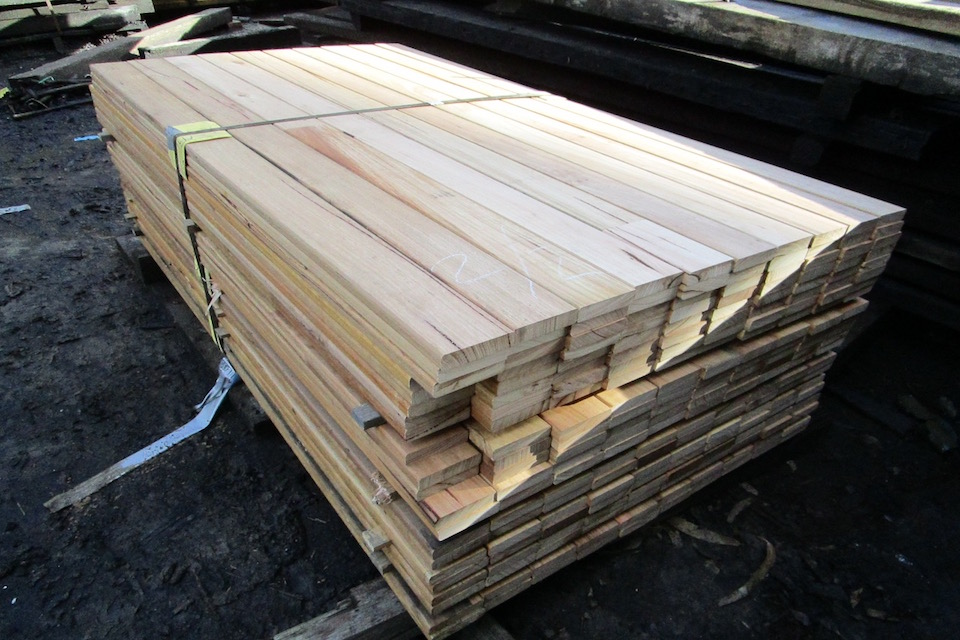 Buy cladding timber in melbourne timbersearch for Timber decking thickness